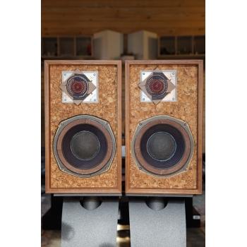 The Advent Loudspeaker The Smaller